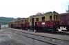 ET 188 521 sowie einen Zug der Schleiz-Saalburger Kleinbahn werden im Regelspurteil des Bf Hainsberg ausgestellt. Sie sind Gäste dea Eisenbahnmuseum Dresden? von der Zwickauer Str.