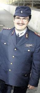 Kleinbahner Patrick Wagner in neuer Uniform.