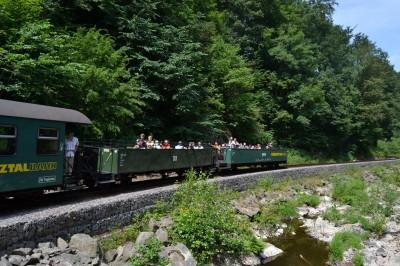 ...und auch heute waren wieder beide Aussichtswagen im Zug eingereiht und gut besucht.